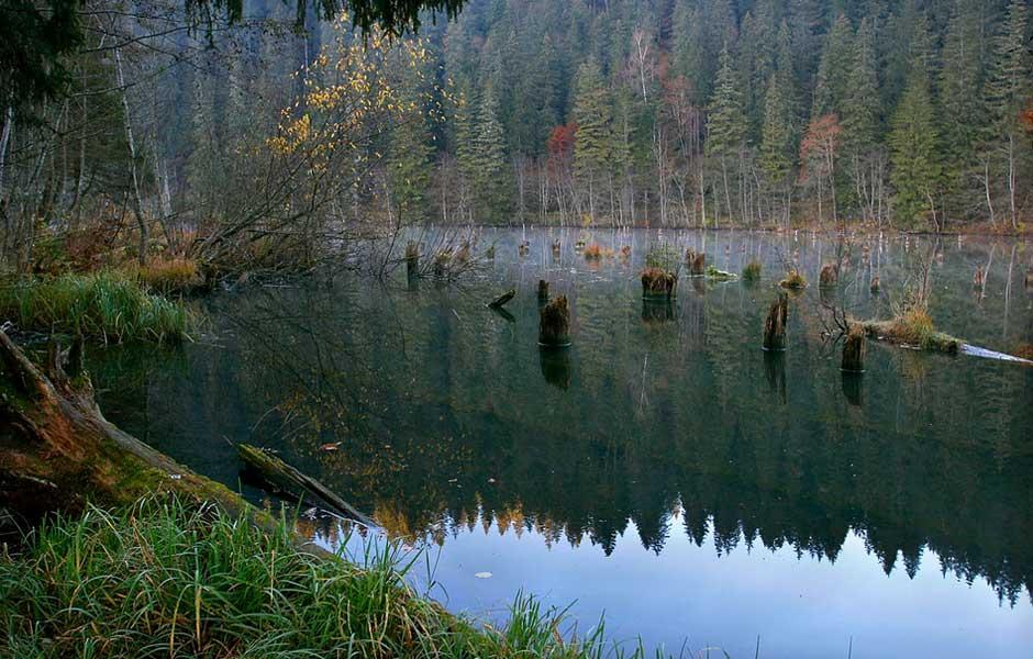 lacul-rosu